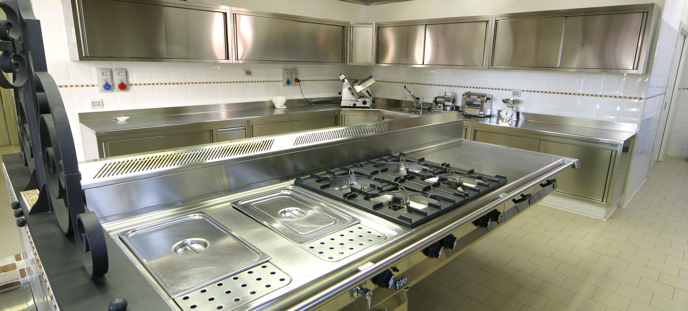 Cucine per ristoranti | Progettazione e arredamento cucine professionali