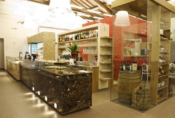 boulangerie et pâtisserie mobilier magasin de Modène, Émilie-Romagne en Italie, La Mirandole Degusteria